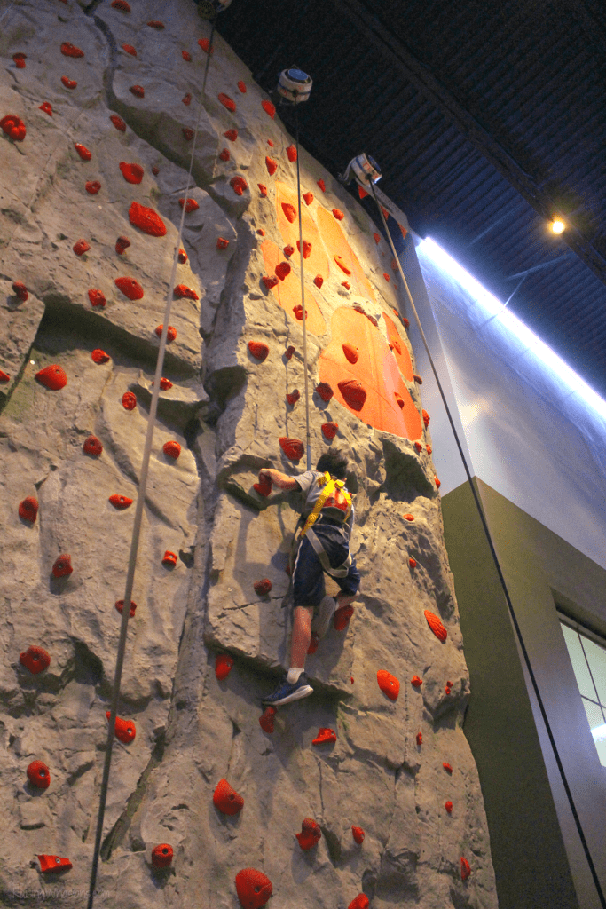 Great wolf lodge rock climbing height requirements