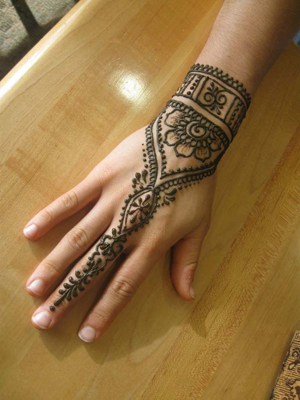 17 Simple Mehndi Designs for Kids To Definitely Try ...