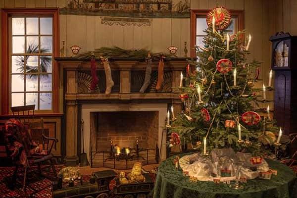 Tree Christmas Table Train