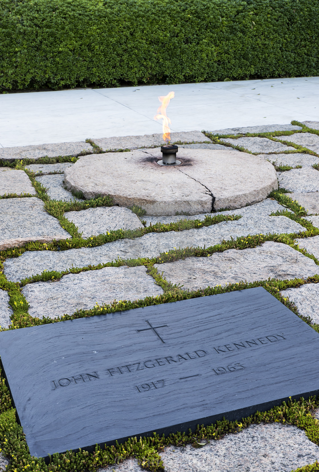 robert kennedy's grave - HD 1120×1658