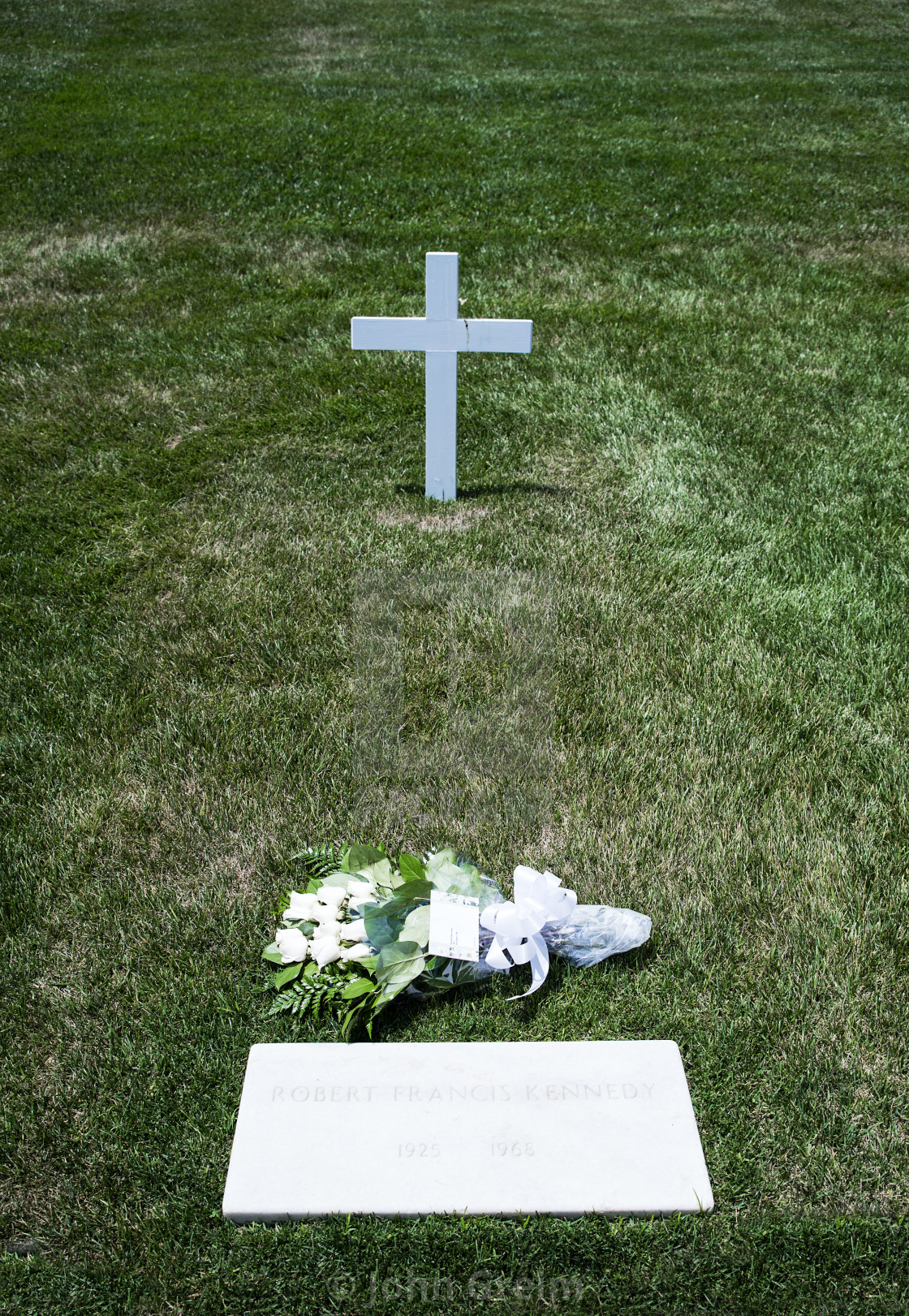 robert kennedy's grave - HD 1120×1621