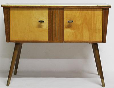 Mike Beer Restaurierung - 50er-Jahre Möbel