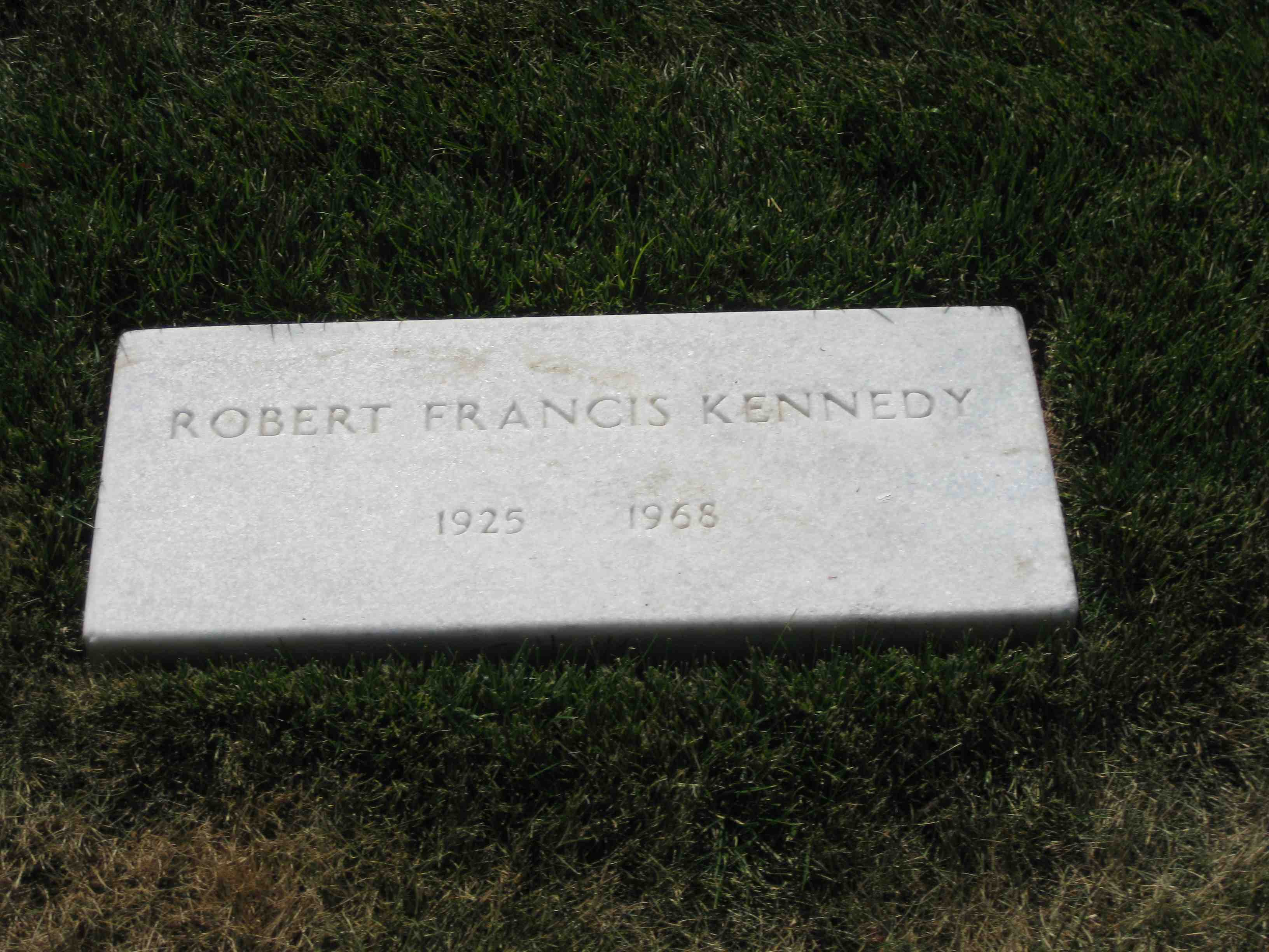 robert kennedy's grave - HD 3264×2448