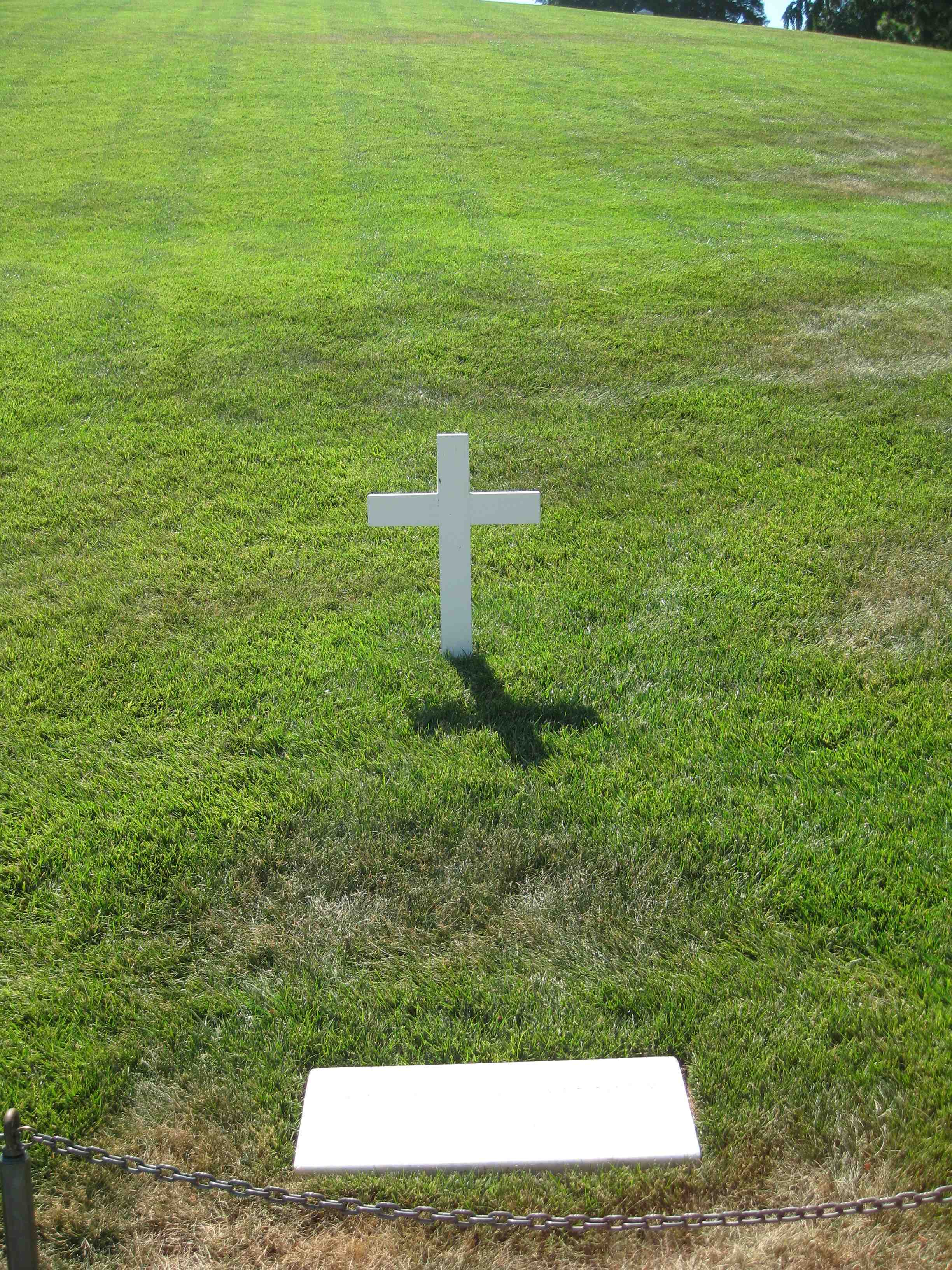 robert kennedy's grave - HD 2448×3264