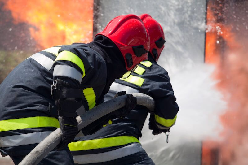 Le Meilleur Fighting Fire In Ship S Cargo Hold At Port Ce Mois Ci