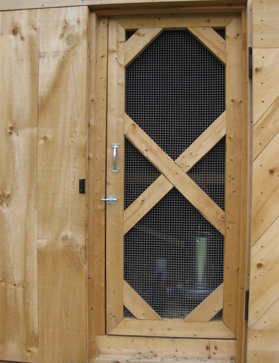 Le Meilleur How To Get Your Chicken Coop Ready For The Winter Ce Mois Ci