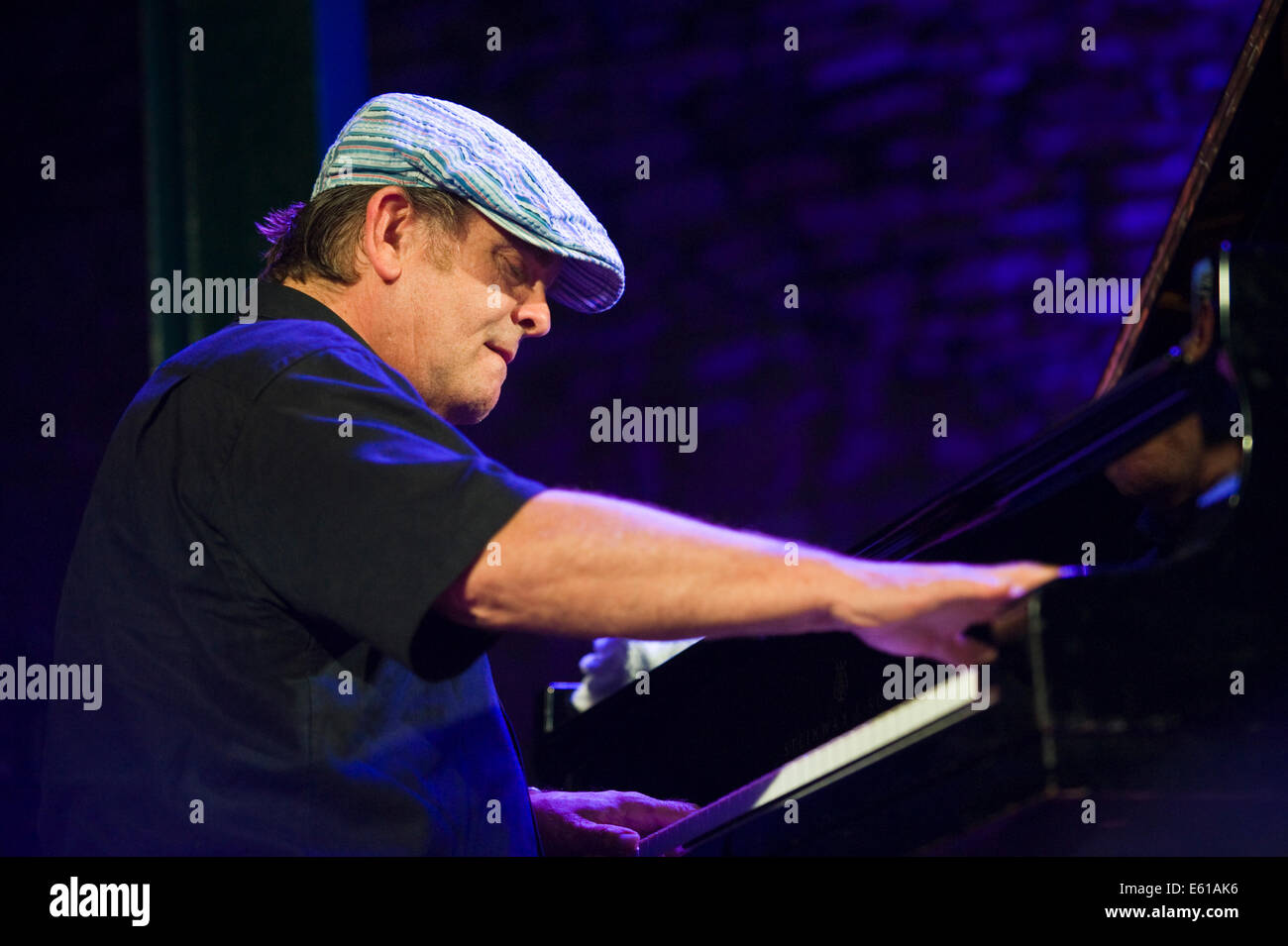 Le Meilleur Pianist With Gregory Porter Band Performing On Stage At Ce Mois Ci