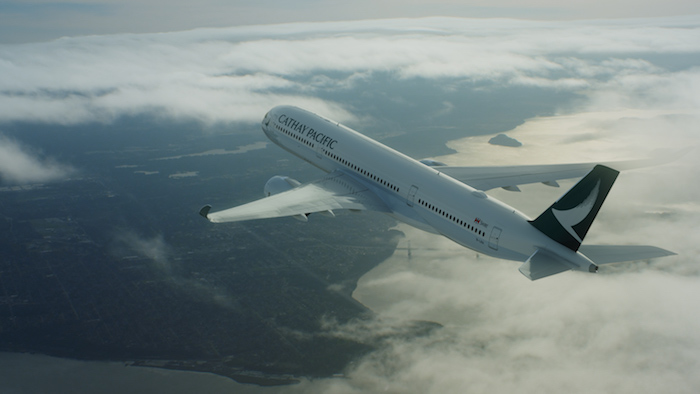 Le Meilleur Net A Porter And Mr Porter Partner With Cathay Pacific For Ce Mois Ci