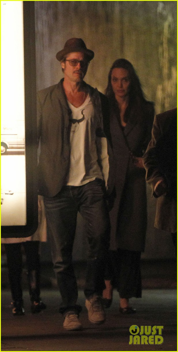 Le Meilleur Brad Pitt Wears Homemade Maleficent Shirt With Angelina Ce Mois Ci
