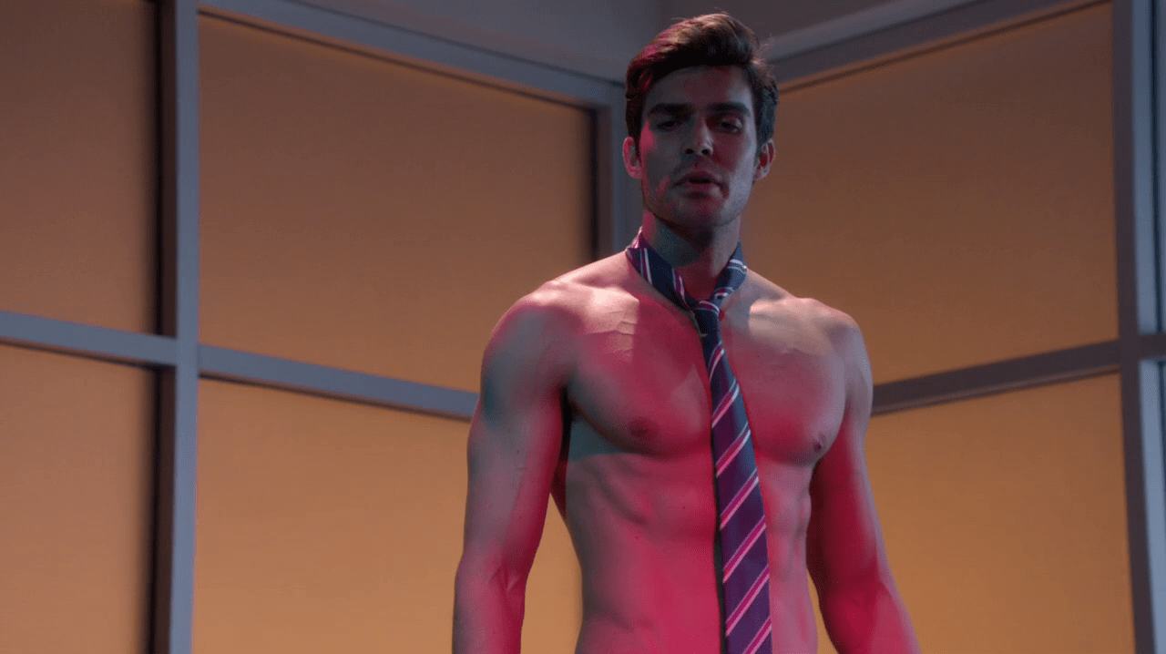 Le Meilleur Peter Porte As Assistant Principal Mr Rodriguez Shirtless Ce Mois Ci