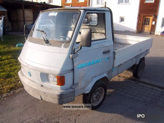 Le Meilleur 1993 Piaggio Ape Porter Flatbed 220 Car Photo And Specs Ce Mois Ci