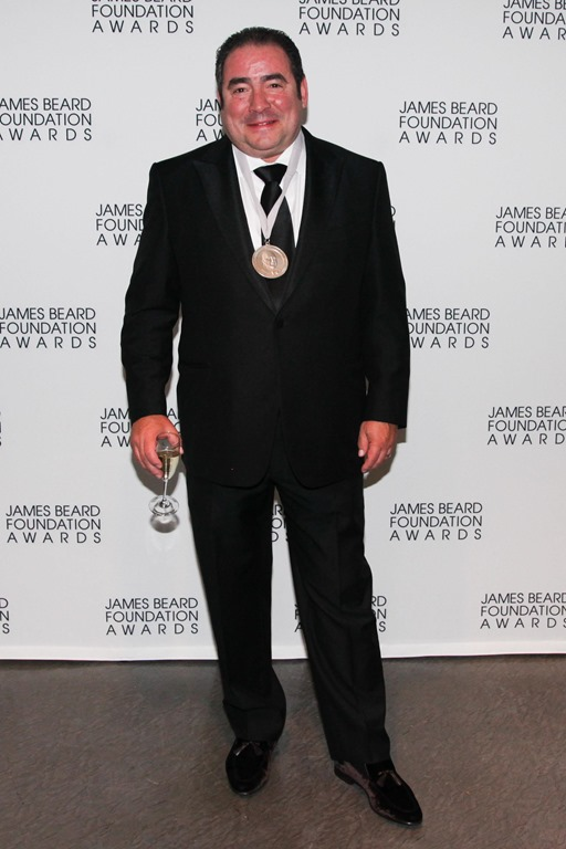 Le Meilleur Chef Emeril Lagasse Receives Humanitarian Award From The Ce Mois Ci