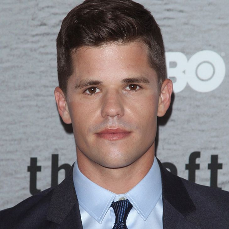 Le Meilleur Charlie Carver Desperate Housewives Star Outet Sich Als Ce Mois Ci