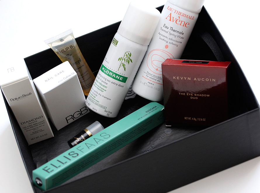 Le Meilleur Net A Porter S Luxury Limited Edition Glossybox Comes With Ce Mois Ci