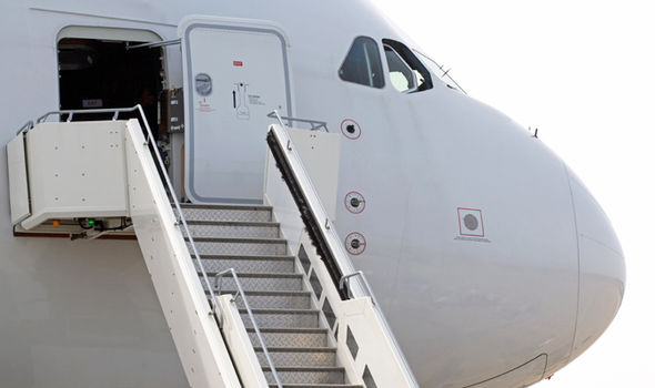 Le Meilleur Passenger Jet Forced To Turn Around In Mid Air After Plane Ce Mois Ci