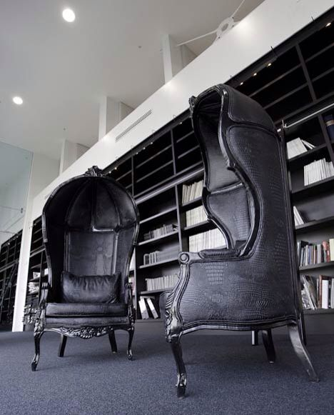Le Meilleur The Overarching Chairs From The First Men In Black Movie Ce Mois Ci