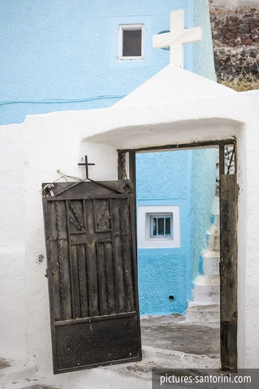 Le Meilleur Open Church Door In Imerovigli Santorini Greece Ce Mois Ci