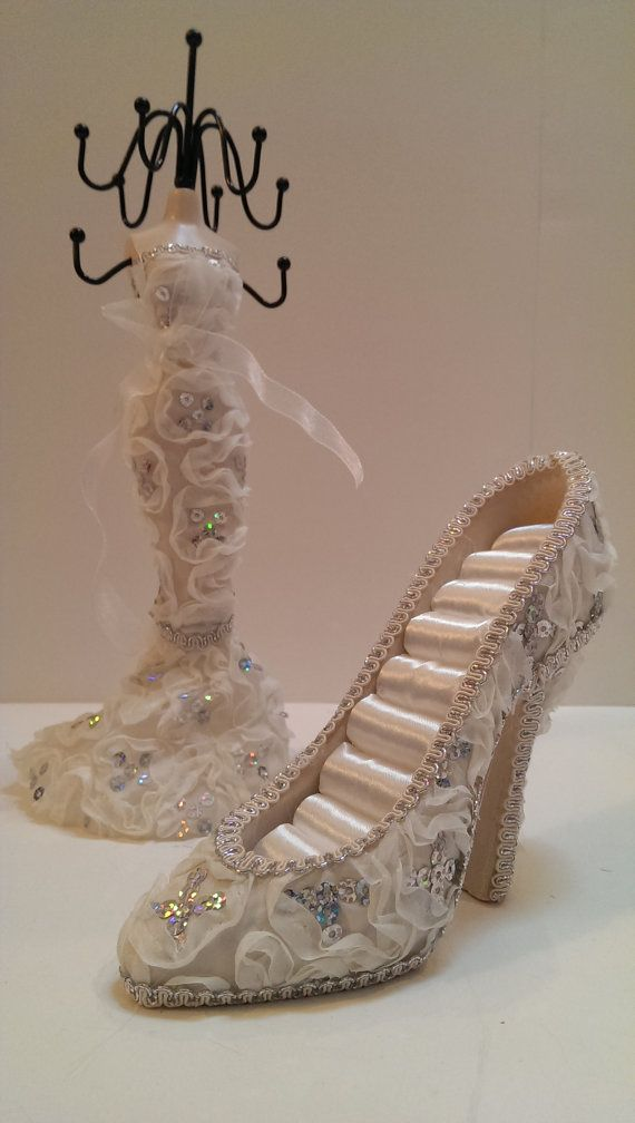 Le Meilleur High Heel Shoe Ring Holder Jewelry Stand Fancy Ivory Ce Mois Ci