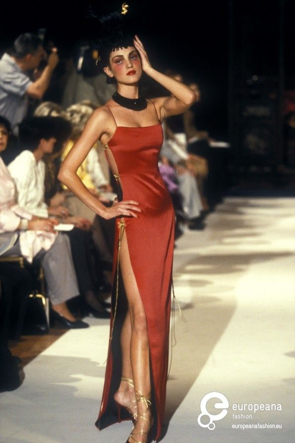 Le Meilleur Christian Dior Autumn Winter 1997 Womenswear Dior Late Ce Mois Ci
