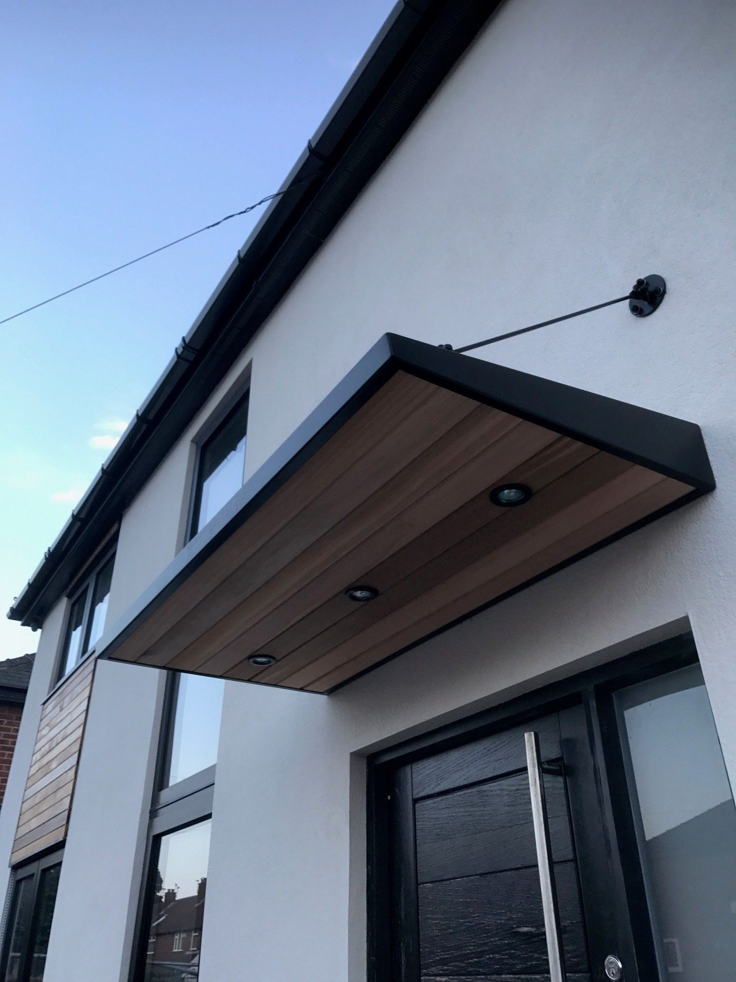 Le Meilleur Metal Door Canopy With Cladding And Entrance Light For Ce Mois Ci