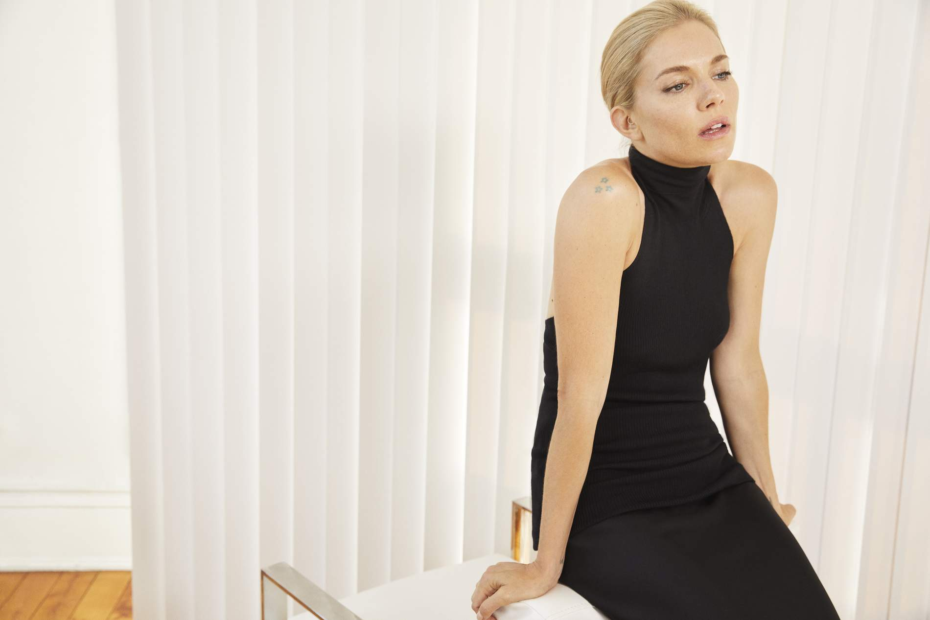Le Meilleur Sienna Miller On Why She S Having The Time Of Her Life Ce Mois Ci