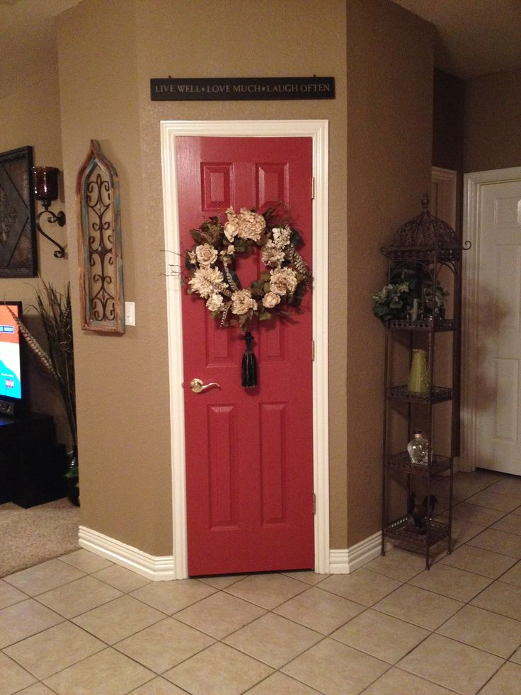 Le Meilleur Kitchen Pantry Door Painted A Beautiful Red Called Salute Ce Mois Ci
