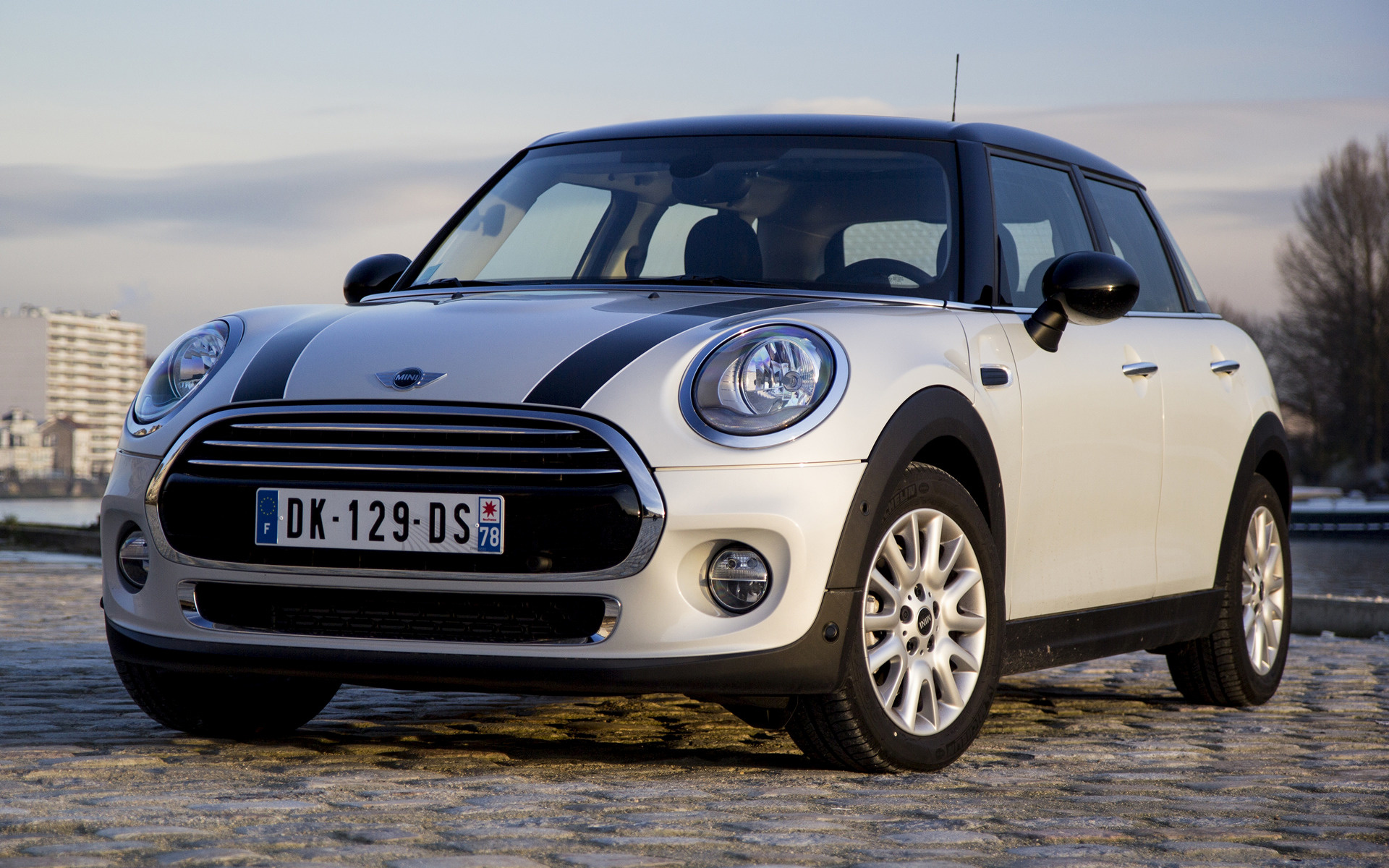 Le Meilleur 2014 Mini Cooper 5 Door Wallpapers And Hd Images Car Pixel Ce Mois Ci