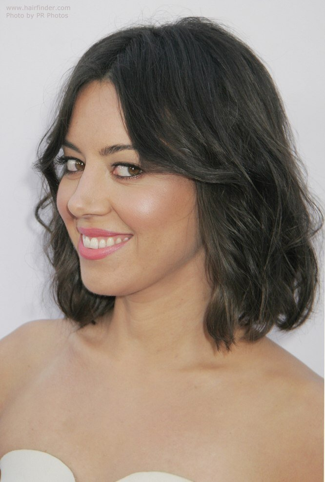 The Best Aubrey Plaza Right Above The Shoulders Hairstyle With A Pictures