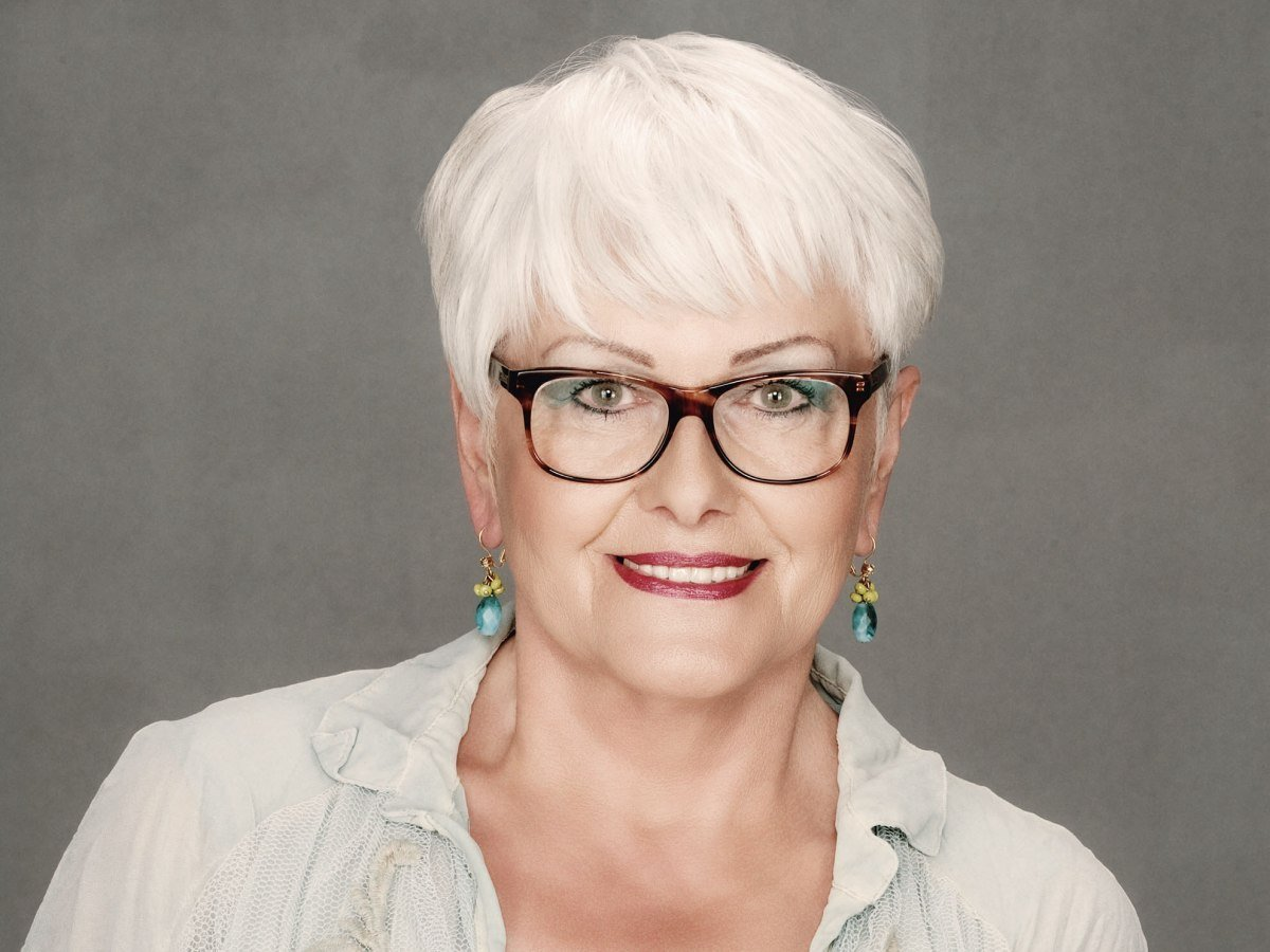 The Best Short Haircut For Older Women With White Hair Who Wear Glasses Pictures