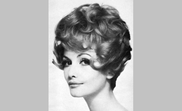 The Best 1960S Hairstyles Haircuts Of The Sixties Pictures