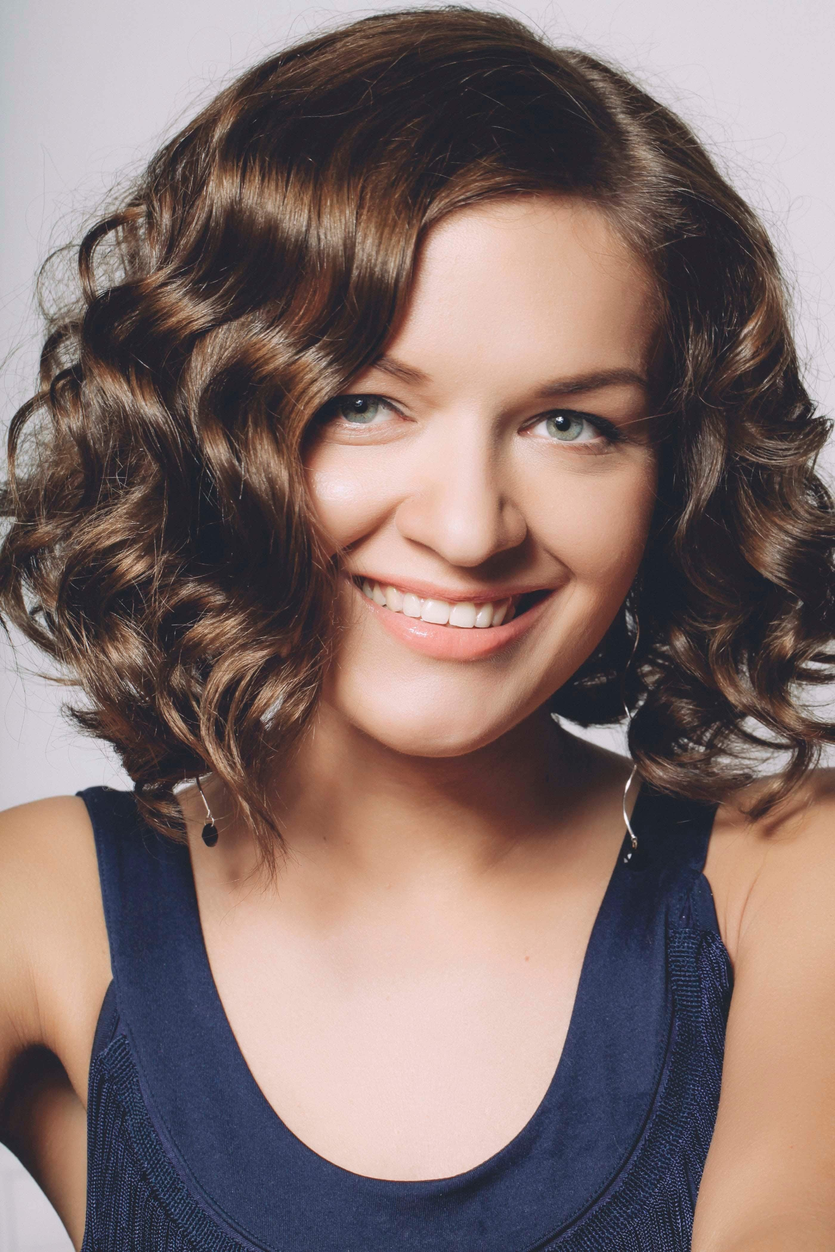 The Best Haircuts For Thick Wavy Hair 14 Head Turning Hairstyles Pictures