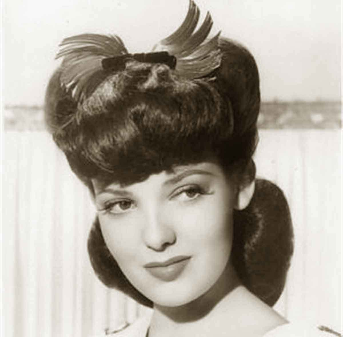 The Best 1940S Hairstyles Memorable Pompadours Glamour Daze Pictures
