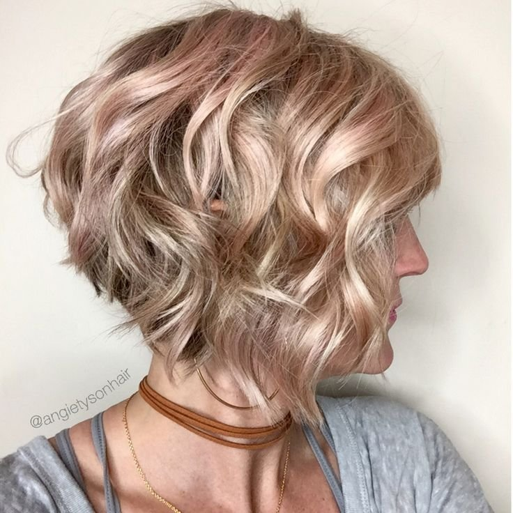 The Best Wavy Inverted Bob With A Hint Of Pink Hair I Love In 2019 Short Curly Hair Bob Haircut Pictures
