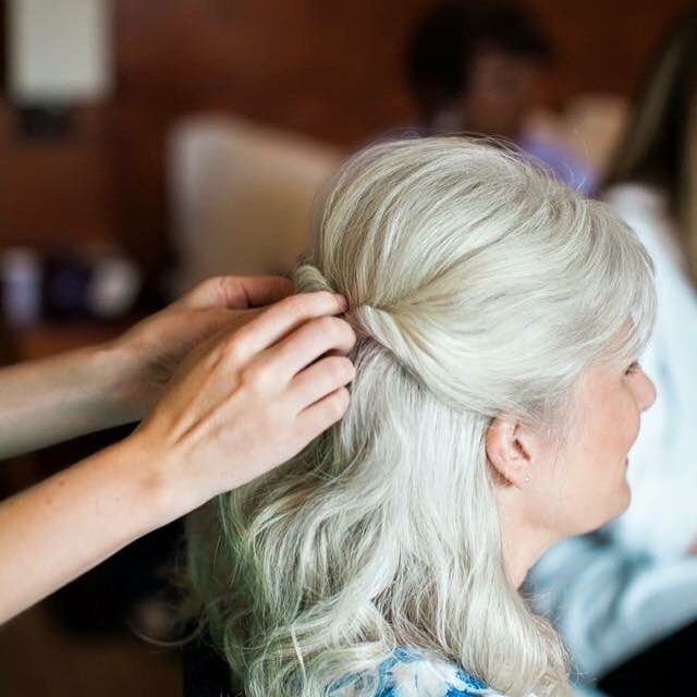 The Best Mother Of The Bride Simple Yet Elegant Half Up Hairstyle Pictures