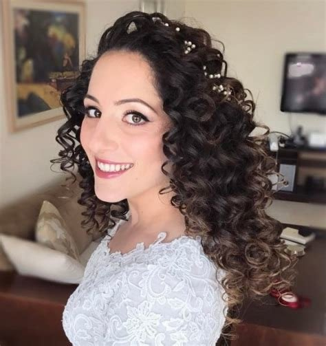 The Best 20 Soft And Sweet Wedding Hairstyles For Curly Hair 2019 Pictures