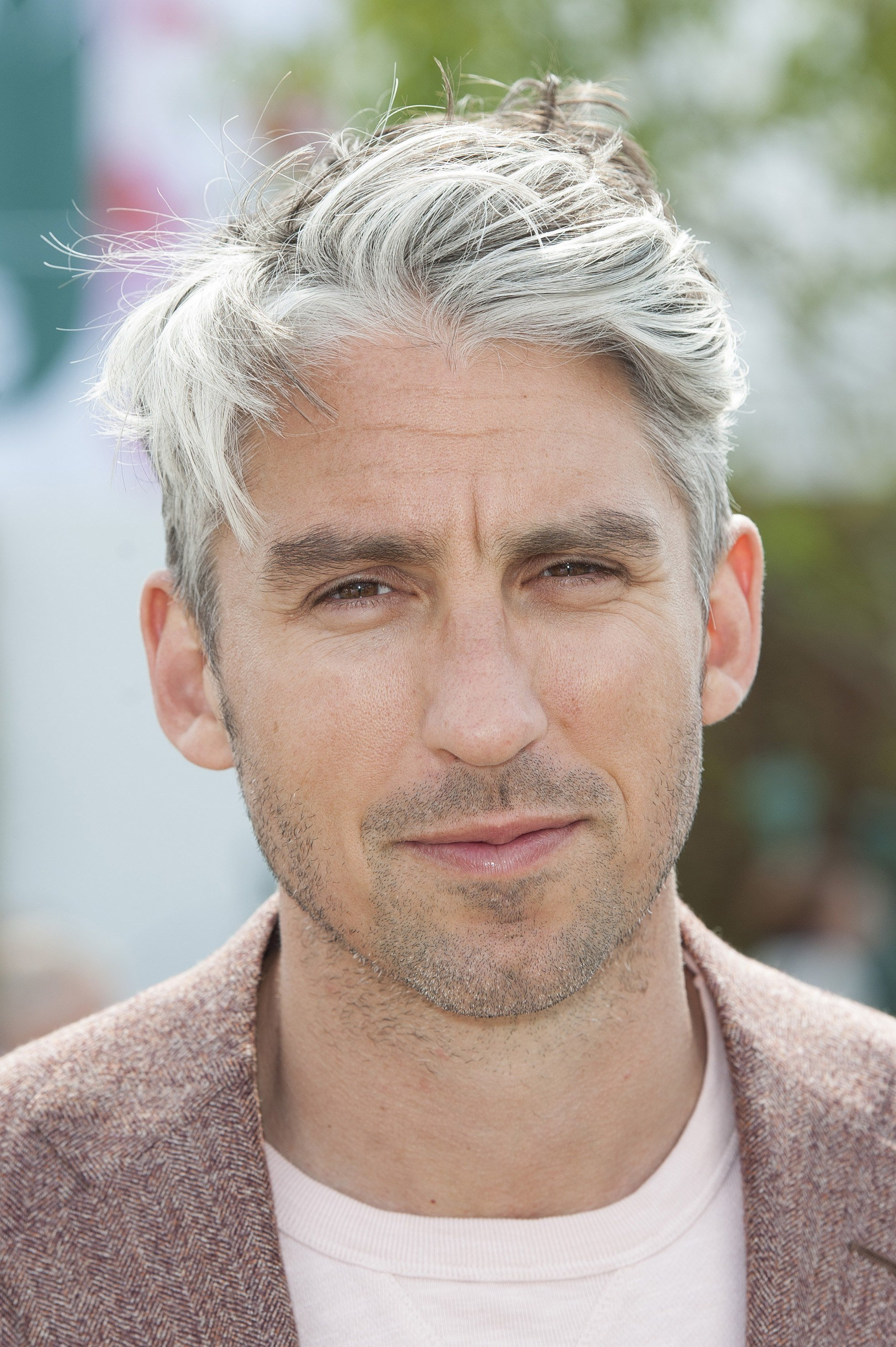 The Best 6 Great Haircuts For Guys With Grey Hair Photos Gq Pictures