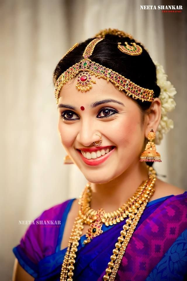 The Best Traditional Indian Wedding Hairstyles 04 Indian Makeup And Beauty Blog Beauty Tips Eye Pictures