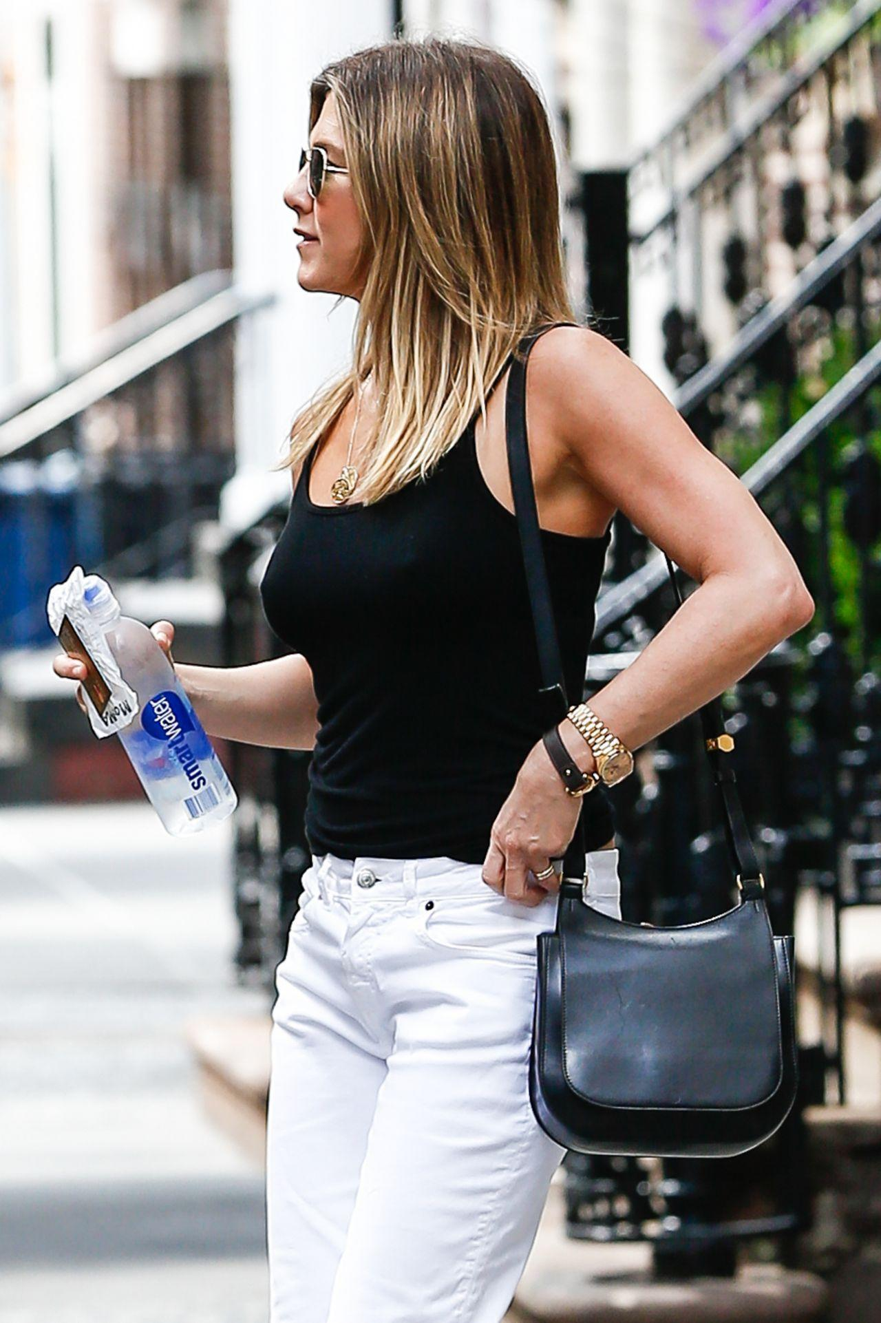 The Best Jennifer Aniston Casual Style Out In New York City 6 29 2016 Pictures