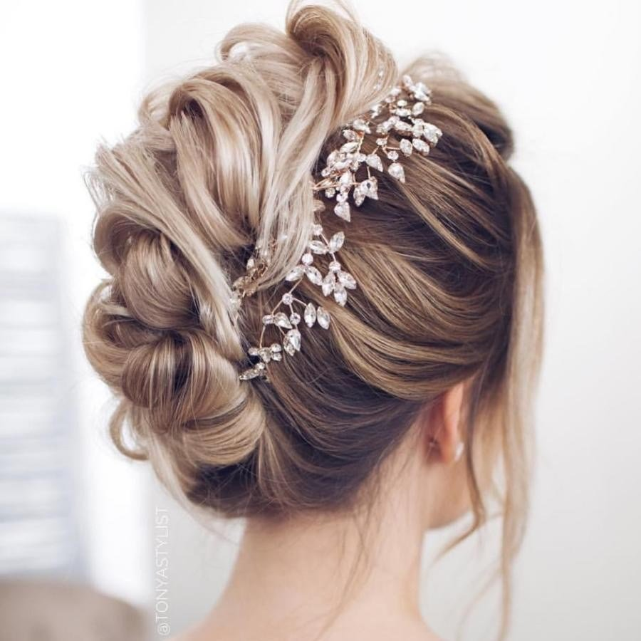 The Best Bridal Hairstyle Tips For Your Wedding Day Pictures