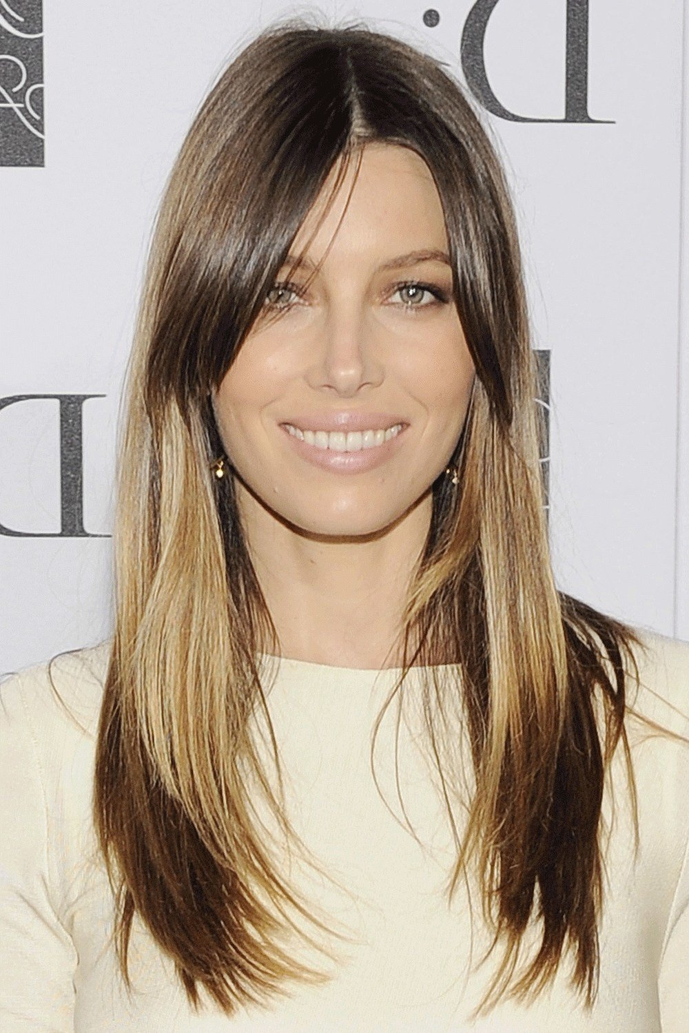 The Best Oval Face Hairstyles For Women Fade Haircut Pictures