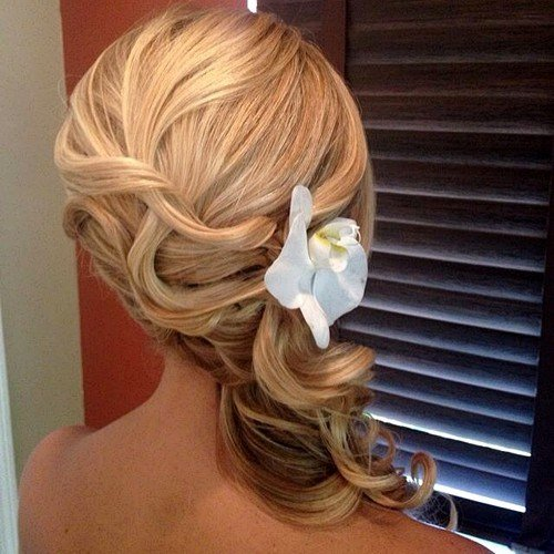 The Best 45 Side Hairstyles For Prom To Please Any Taste Pictures