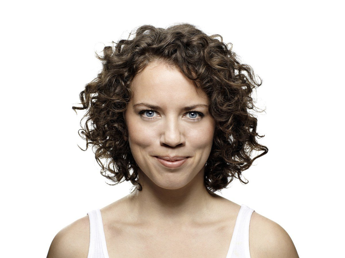 The Best How To Banish Frizz For Good A Curly Girl S Guide Pictures