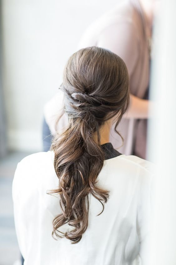 The Best 28 Casual Wedding Hairstyles For Effortlessly Chic Brides Pictures