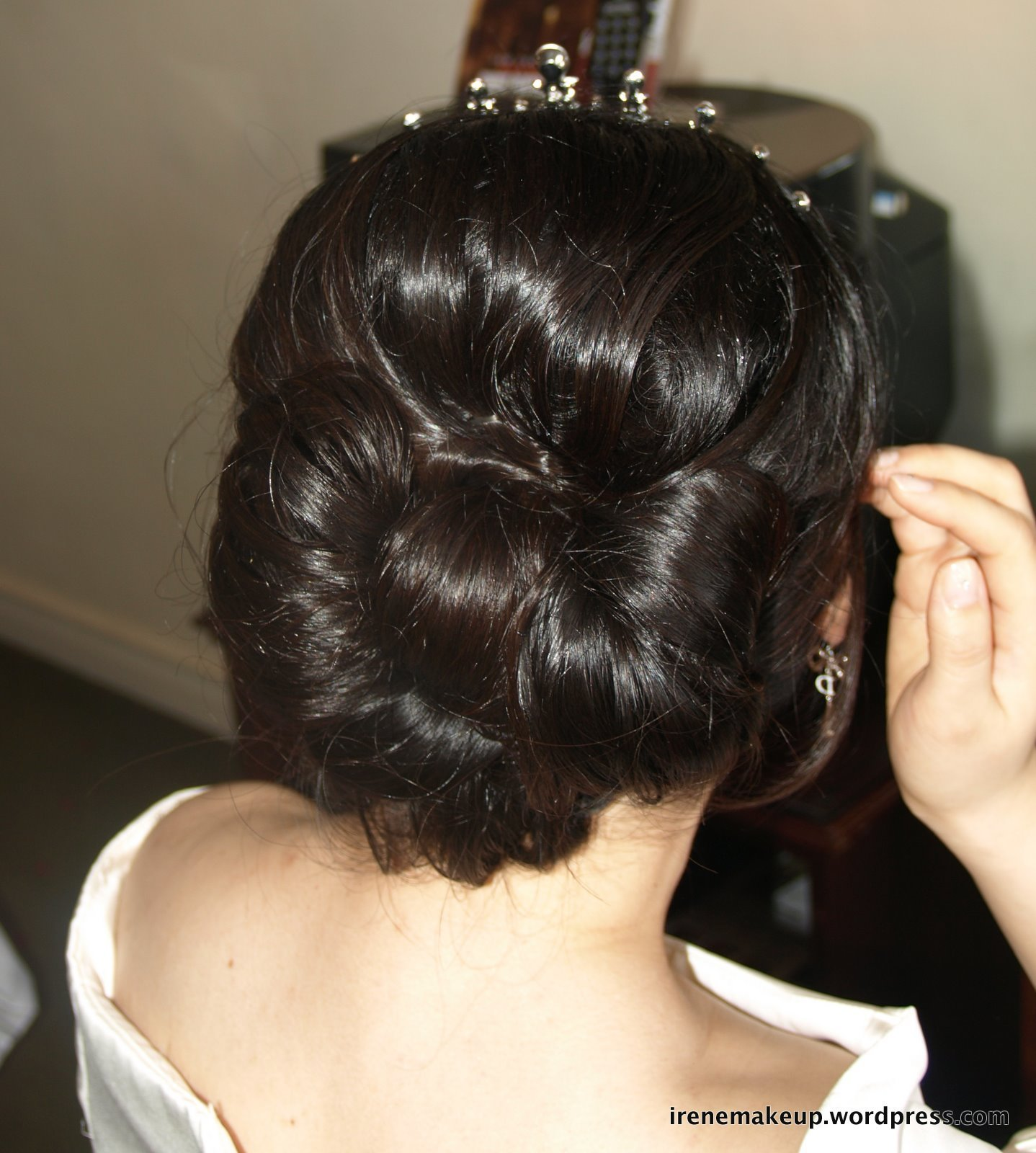 The Best Chinese Bridal Hairstyles Classic Sleek Updo 新娘盘头发型 Pictures