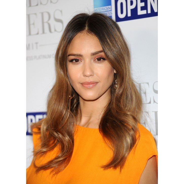 The Best The 10 Most Flattering Haircuts For Oval Faces Allure Pictures