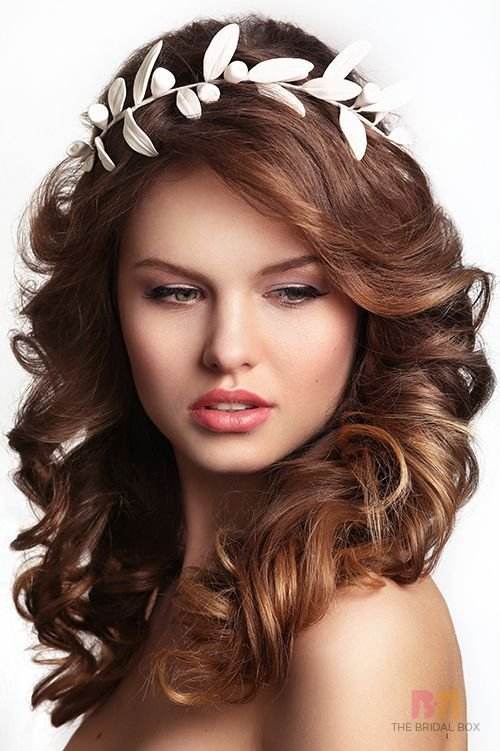 The Best The Bridal Hairstyle For Round Face Beauties 7 Hairdos Pictures