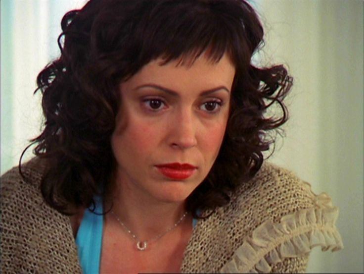 The Best Love The Combo Of Short Fringe Curls Alyssa Milano As Pictures