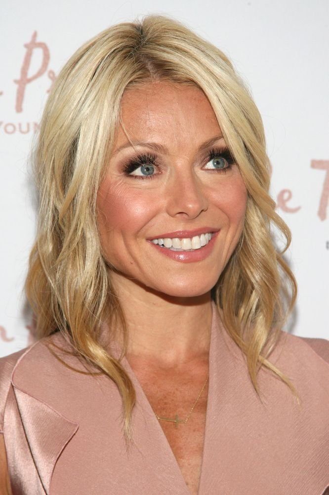 The Best Kelly Ripa Celebrity Hairstyles Celebrity Hairstyles Pictures