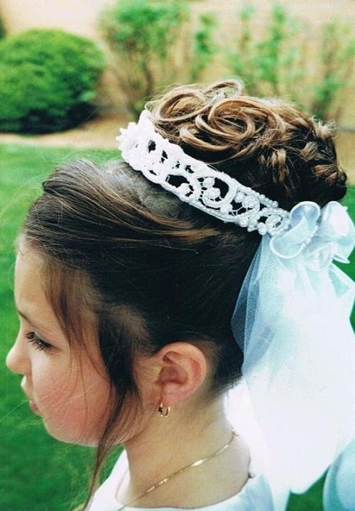 The Best Flower Girls Updo Hairstyles With Tiara Flower Girls Updo Pictures