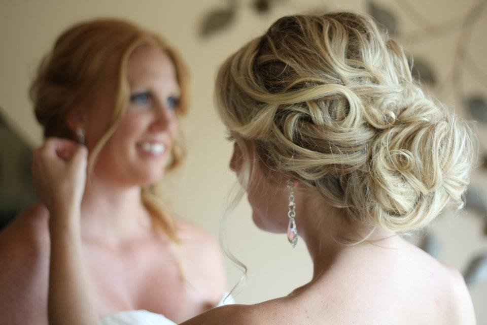 The Best Romantic Bridal Updos Soft Waves Wedding Hairstyles 3 Pictures